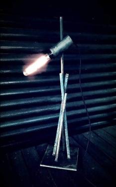Lámpara de hierro, 2018